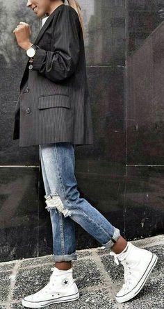 Abiti sportivi: Descrizione looks.tn / The post Abiti sportivi: Descrizione looks.tn / # outfit Stile alla moda appeared first on Italy Moda. Fashion Mode, Look Fashion, Autumn Fashion, Womens Fashion, Fashion Trends, Sporty Fashion, Sporty Style, Sneakers Fashion, Fashion Ideas