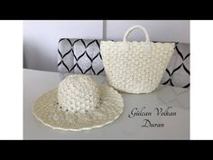 Crochet and Knitting Diy Crochet Gloves, Crochet Baby Poncho, Free Crochet Bag, Crochet Shell Stitch, Crochet Baby Booties, Crochet Slippers, Braidless Crochet, Beginner Crochet Tutorial, Moss Stitch