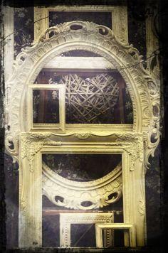Shabby-chic vintage style picture frames - Elsie Rose Homewares