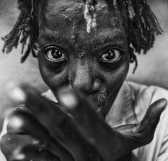 Black And White Portraits, Lee Jeffries, First World, Instagram Posts, Fictional Characters, Models, Eyes, Women, Man Portrait