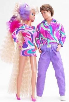 History of Barbie Dolls - Barbie Doll & Ken Doll. Barbie Doll was now sporting her longest hair ever. Mattel Barbie, Barbie E Ken, Barbie Blog, 1980s Barbie, Ken Doll, Vintage Barbie Dolls, Vintage Toys, Ever After High, Totally Hair Barbie