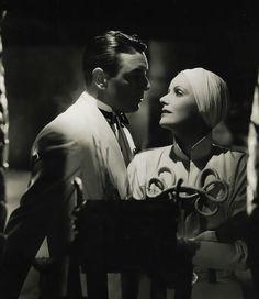 """Greta Garbo y Herbert Marshall en""""El Velo Pintado"""" (The Painted Veil), 1934"""