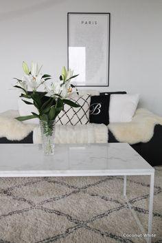 Liljojen loistoa ja inventaariota   Coconut White