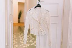 chaqueta biker para novias rime arodaky Showroom, Barcelona, Ruffle Blouse, Women, Fashion, Bridal Collection, Brides, Jackets, Wedding