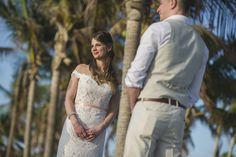 Vili es Márti - Tengerparti Esküvő | Florida, USA Lace Wedding, Wedding Dresses, Miami Beach, Florida, Usa, Fashion, Bridal Dresses, The Florida, Moda