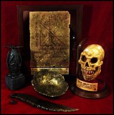 Summon Old Ones with these painstakingly crafted HP Lovecraft props