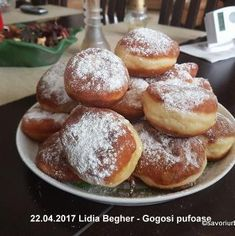 Gogosi pufoase reteta de la bunica | Savori Urbane Baking Recipes, Cake Recipes, Food Cakes, No Bake Cake, Finger Foods, Deserts, Muffin, Breakfast, Dessert