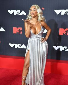 Mtv Videos, Mtv Video Music Award, Cocktail Gowns, American Rappers, Red Carpet, Special Occasion, Awards, Female, Formal Dresses