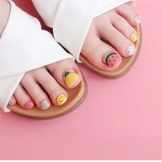 Do you feel that as you get older, you become more and more dull and have no personality. It is time to add some energy to yourself. Let's take a look at the cute nail style that I recommend to you. Trendy Nail Art, Cute Nail Art, Cute Acrylic Nails, Feet Nail Design, Toe Nail Designs, Glam Nails, Beauty Nails, Kawaii Nails, Short Nails Art