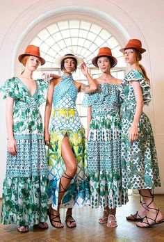Highlights from LFW: Temperley London Spring 2016 — Très Haute Diva Diva Fashion, Couture Fashion, Boho Fashion, Womens Fashion, Fashion Design, London Summer, London 2016, Beautiful Dresses, Ready To Wear