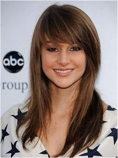 Choppy and Sleek Hairstyle with Bangs For College Girls