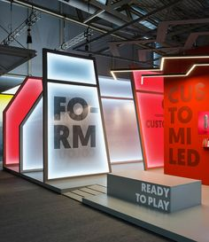 The Light & Building Stand at Frankfurt, Germany, that was commissioned after the redesign of Onok Lighting's brand image last year, follows the overall aesthetic used by Masquespacio for the campaigns of the lighting brand's new product launches. That wa…