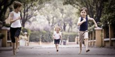 sibling fun, family & lifestyle photography, Sydney Northern Beaches portrait & lifestyle photographer