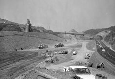 Work crews extend the San Diego Freeway through the Sepulveda Pass in 1961. Courtesy of the Los Angeles Times Photographic Archive. Department of Special Collections, Charles E. Young Research Library, UCLA.
