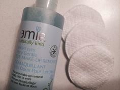 An eyemakeup remover that actually smells good? Truth! AMIE SKINCARE's Bright Eyes remover is a new beauty.review on the blog.
