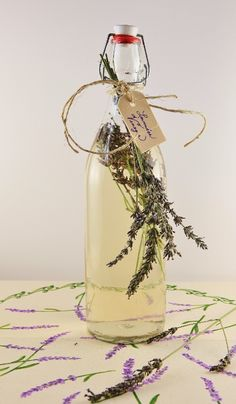 Rattlebridge Farm: Foodie Friday -- July 26th---Lavender Vinegar recipe