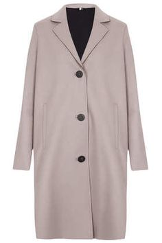 This boyfriend cut coat is a nice neutral piece that goes with everything in your closet, while keeping you nice and warm. Love it! Just Luv'd on @Luvocracy  