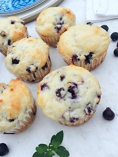 Saskatoon berry muffins make for a healthy after school snack. You'll love this easy dessert recipe with hints of lemon. Substitute blueberries if you can't find Saskatoon berries. Yogurt Muffins, Lemon Muffins, Healthy Muffins, Saskatoon Recipes, Saskatoon Berry Recipe, Aronia Berry Recipes, Sicilian Recipes, Sicilian Food, Lemon Scones