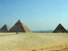 PHOTOS OF THE PYRAMIDS Pyramids of Giza in Egypt: Pyramids of Giza in Egypt - Three Major Pyramids