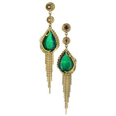 Ana De Costa -Ghandi earrings in yellow gold with emeralds and diamonds Zambia cognac. - See more at: http://www.vogue.it/vogue-gioiello/shop-the-trend/2014/12/shopping-online#ad-image