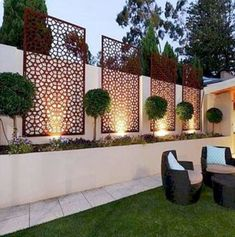 35 Georgeus Small Garden Design Ideas Low Maintenance Because you have a small garden, it doesn't want to work a lot. A small garden can be very exotic with just a little planning. Improving a beautiful modern garden [ … ] Small Backyard Landscaping, Backyard Fences, Garden Fencing, Landscaping Ideas, Backyard Ideas, Patio Ideas, Fence Ideas, Modern Backyard, Patio Fence