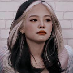 Aesthetic Girl, Aesthetic Clothes, Kpop Girl Groups, Kpop Girls, Blackpink And Bts, Bad Gal, Jennie Blackpink, Cute Icons, K Idol
