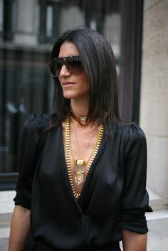 #Streetstyle Paris - layered necklaces. Photo by Kuba Dabrowski. What I love most about this pic is her gray hair peeking through