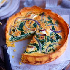 Spinach, red onion and feta quiche with a polenta crust. A comfort food wonder, serves Quiche Recipes, Veggie Recipes, Vegetarian Recipes, Cooking Recipes, Quiches, Quiche Feta, Frittata, Savoury Baking, Bread Baking
