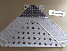 Diy Couture Cadeau, Diy Cape, Poncho, Baby Pillows, Baby Gifts, Messages, Sewing, Chiffons, Dolls
