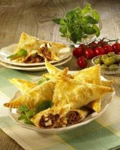 Our popular recipe for puff pastry corners with feta & hack and over more free recipes on LECKER.de, The post Puff pastry corners with feta & hack appeared first on Best Pins for Yours. Appetizer Recipes, Snack Recipes, Puff Pastry Recipes, Puff Recipe, Good Food, Yummy Food, Party Finger Foods, Popular Recipes, Free Recipes