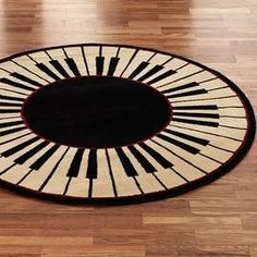 Round piano rug I want this.