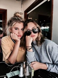 Image shared by ? Find images and videos about girl, love and fashion on We Heart It – the app to get lost in what you lov… – Best Friends Forever Bff Pictures, Best Friend Pictures, Friend Photos, Foto Best Friend, Best Friend Poses, Poses With Friends, Tumblr Photography, Photography Poses, Family Photography