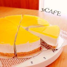 私がペコリをはじめた時1番最初に投稿したケーキです(*^^*)作り方はとっても簡単混ぜて固めるだけのレアチーズにジュースで作ったゼリーをON重くない爽やか仕立てです(*^^*)↓のポイントもご覧下さいね♬【18cm底取れ型】クリームチーズ...200g生クリーム...200cc砂糖...65g