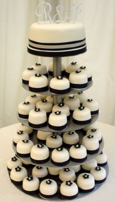Mini Wedding Cakes tips and hints. Our site provides essential information on Mini Wedding Cakes. White Wedding Cupcakes, Black And White Wedding Cake, Mini Wedding Cakes, Mini Cakes, Cupcake Cakes, Cupcake Wedding, Black White, Silver Cupcakes, Cupcake Tier