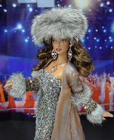 OOAK Barbie NiniMomo's Miss Ukraine 2009 Fashion Royalty Collection