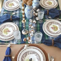 Great photo of a beautiful tablescape featuring #Spode #Woodland from @amrsamongmagnolias #ThanksgivingReady #Tablescape #portmeirion