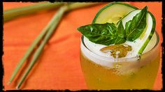 Cucumber-Basil Lemonade With Lemongrass Recipe Thai flavors of basil and lemongrass combine with cooling cucumber in this mildly savory but totally drinkably tart lemonade variation. Strawberry Basil Lemonade, Cucumber Lemonade, Flavored Lemonade, Lemongrass Recipes, Lemongrass Tea, Citrus Recipes, Easy Lemonade Recipe, Homemade Lemonade, Vegan Looks