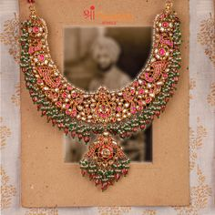 Grand Bridal Necklace From Shri Paramani Jewels ~ South India Jewels Mom Jewelry, Custom Jewelry, India Jewelry, Bridal Necklace, Bridal Jewelry, Indian Wedding Jewelry, Gold Jewellery Design, Jewelry Patterns, Or Rose