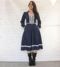 Rare Vintage 70s Gunne Sax Calico Floral Prairie Midi Dress M L Pockets Tie Belt Puff Sleeves Lace Ribbon Trim Navy Blue by PopFizzVintage on Etsy