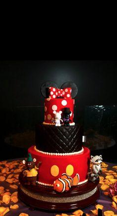 disney wedding cake but Peter Pan will be there too obviously:) Wedding Cake Red, Black Red Wedding, Yellow Wedding, Minnie Cake, Mickey Mouse Cake, Minnie Mouse, Disney Themed Cakes, Disney Cakes, Disney Weddings