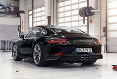 Beautiful black 991.2 GT3 with Touring Package