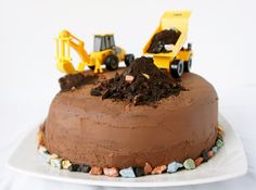 18 easy cake decorating ideas that make a store-bought cake something super special. Cake Decorating For Kids, Birthday Cake Decorating, Decorating Ideas, Marzipan, Truck Birthday Cakes, Basic Cake, Construction Birthday, Cute Food, Funny Food