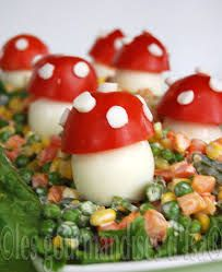 Red Mushroom for the Kids. Red Mushroom for the Kids (in French) Egg Recipes, Cooking Recipes, Food Humor, Funny Food, Egg Decorating, French Food, Party Snacks, Caprese Salad, Food Styling