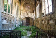 Indulge a little. Or a lot — abandonedography:     La chapelle de l'ange au...