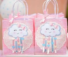 Que fofa 💕💕💕💕 Regrann from Via Rainbow Birthday Party, Baby Birthday, First Birthday Parties, Birthday Party Themes, Cloud Party, Little Presents, Unicorn Party, Baby Decor, Baby Shower Themes