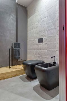 """""""Fuoco"""" is a spacious, modern apartment in one of the most beautiful cities in Italy – Turin. The renovation project Bathroom Spa, Bathroom Toilets, Bathroom Toilet Paper Holders, Home Addition Plans, Gold Walls, Wet Rooms, Contemporary Bathrooms, Black Decor, Beautiful Bathrooms"""