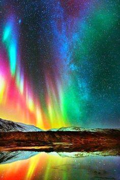 Rainbow northern lights :o