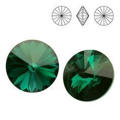 1122 Rivoli SS39 Emerald F 2pcs  Dimensions: diameter 8,16-8,41 mm Colour: Emerald F 1 package = 2 pieces
