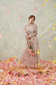 Jung So Min, Korean Fashion Dress, Korean Outfits, Park Bo Gum Wallpaper, Park Shin Hye, Ulzzang Korean Girl, How To Look Handsome, Diane Lane, Korean Actresses