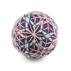 讃岐の手まり Japanese Symbol, Oragami, Japanese Culture, String Art, Color Themes, Art Forms, Christmas Crafts, Delicate, Arts And Crafts